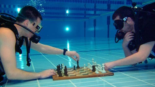 chess underwater
