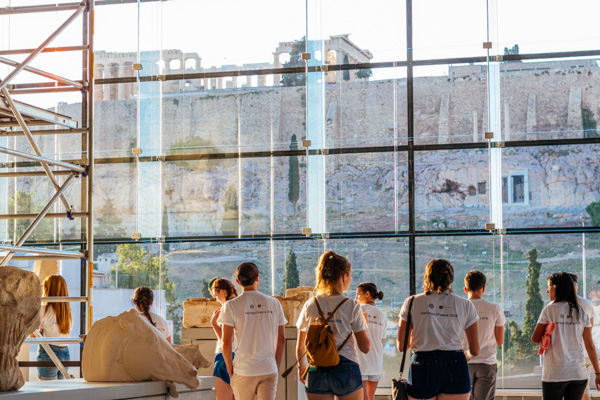 The-New-Acropolis-Museum,-where-history-meets-the-present