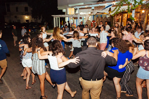 This-is-what-happens-when-Greeks-need-to-dance,-no-matter-what!